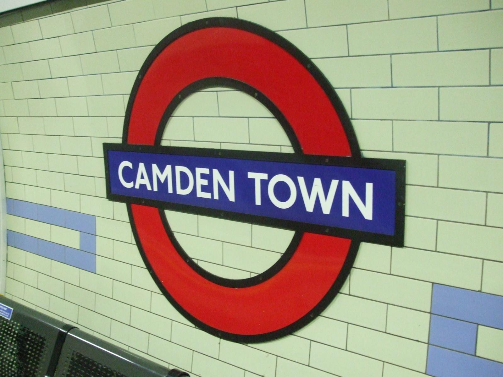 Camden_Town_stn_roundel
